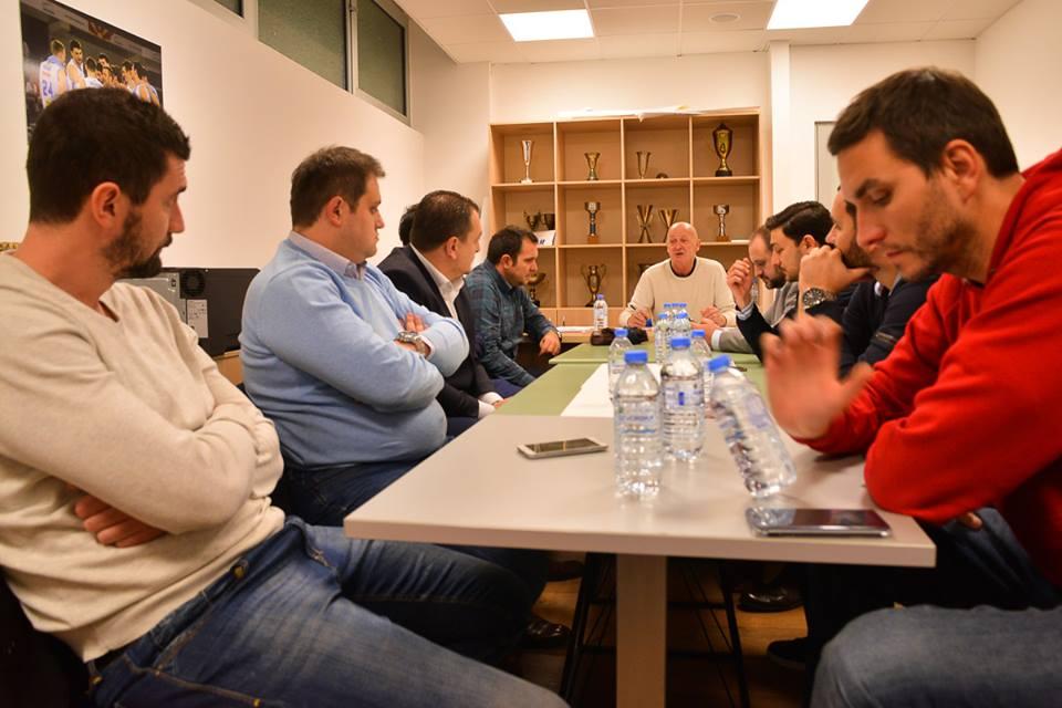 Нов конфликт МКФ   клубови  Тема   бројот на екипи во Првата лига