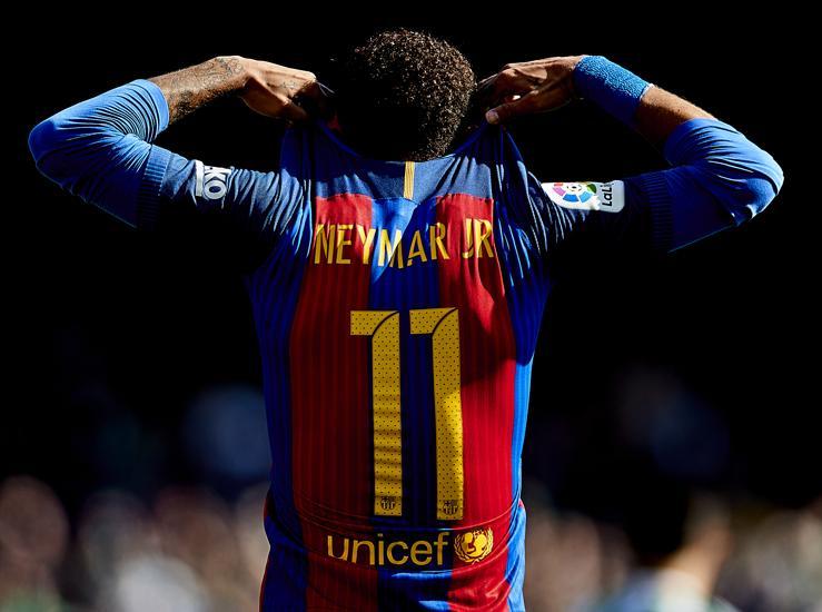 Барселона го тужи Нејмар и бара 75 милиони евра отштета од Бразилецот