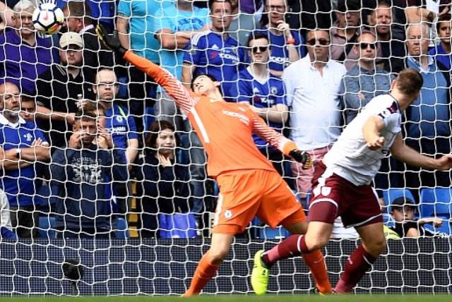Барнли го шокира шампионот Челси  Руни донесе триумф за Евертон