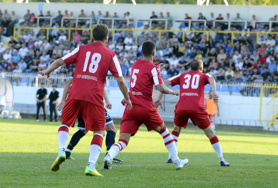 Шкупи непоразен се враќа и од Тетово  Ренова напаѓаше  но гол немаше