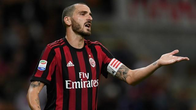 Бонучи доби црвен картон за да не игра против Јувентус