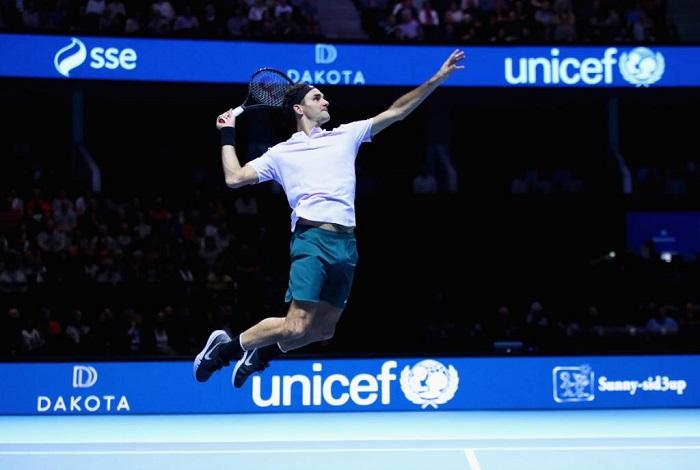 Федерер го среди и Зверев  веќе е во полуфинале