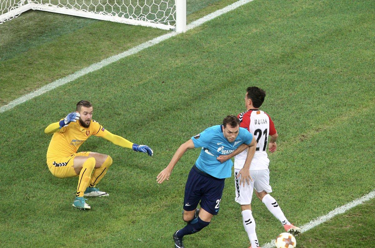 Гачевски одбрани пенал против Зенит