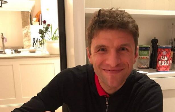 Томас Милер јаде мусли по рецептура на  Виталија