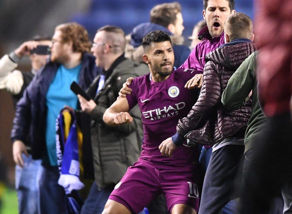 Агуеро мина без казна од ФА на Англија по тепачката со навивачот на Виган
